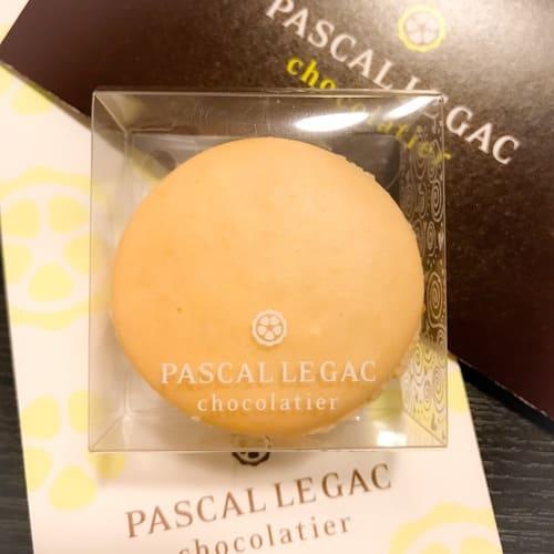 「パスカル・ル・ガック」のマカロン『バニラ』